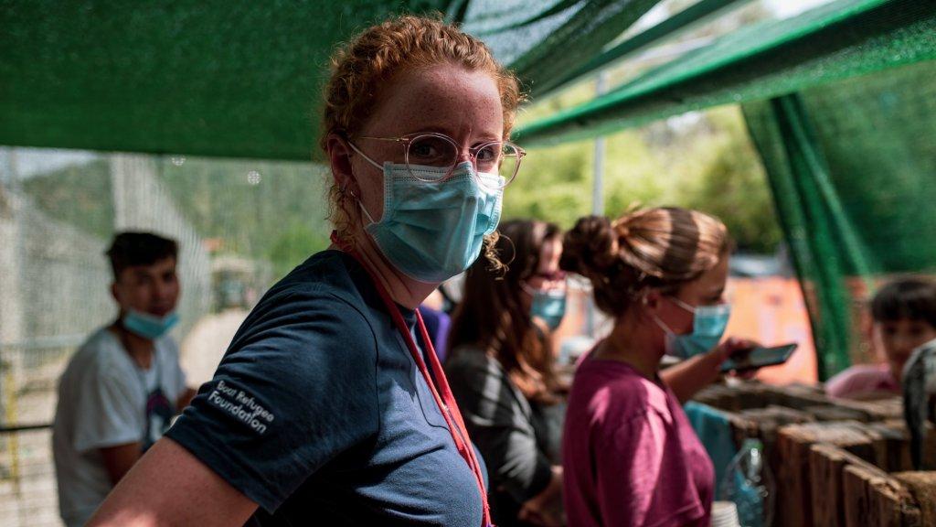 Nederlandse Anne (27) werkt in kamp Moria: 'Hard huilen helpt me'