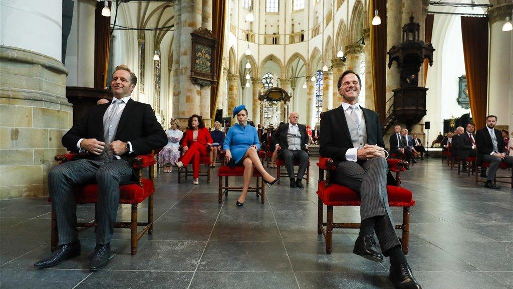 Minister Hugo de Jonge (Volksgezondheid) en minister-president Mark Rutte in afwachting van de troonrede.