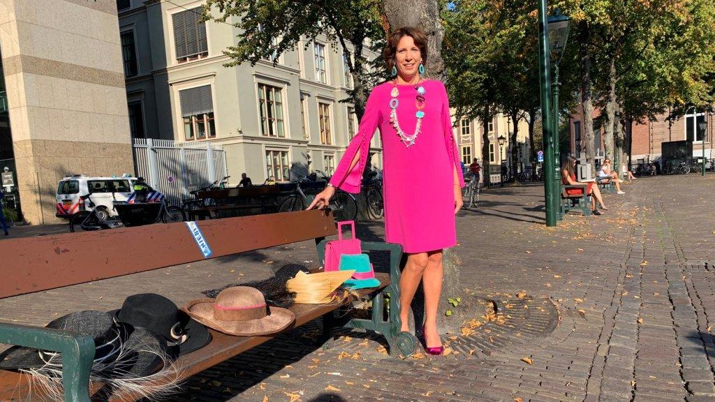 Helma Lodders kiest dit jaar voor de turquoise hoed