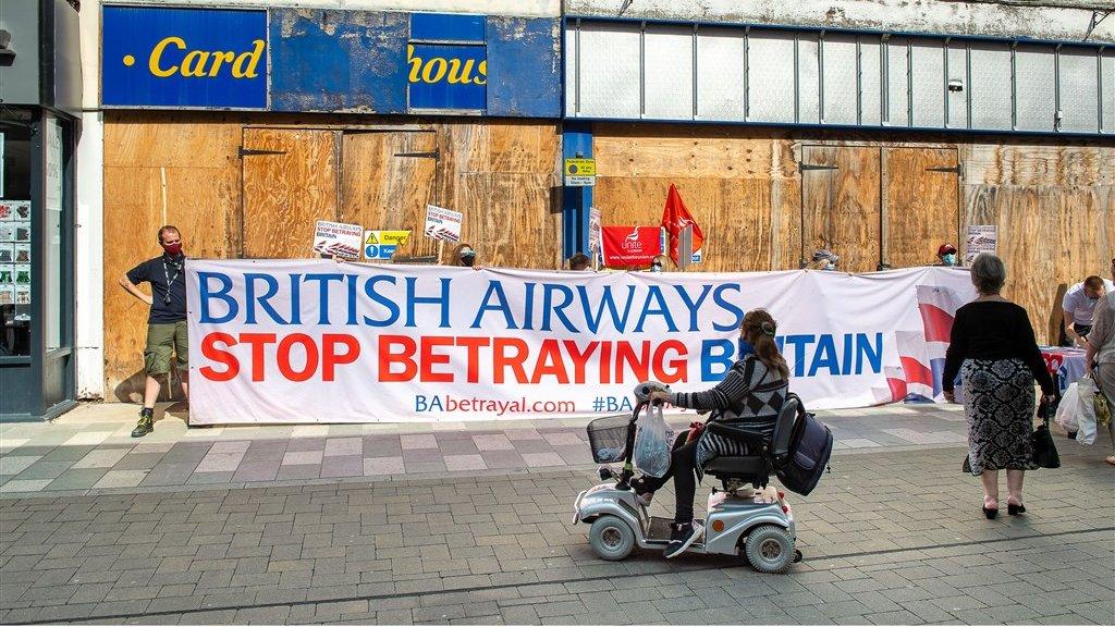 Een protest tegen het harde personeelsbeleid van BA.
