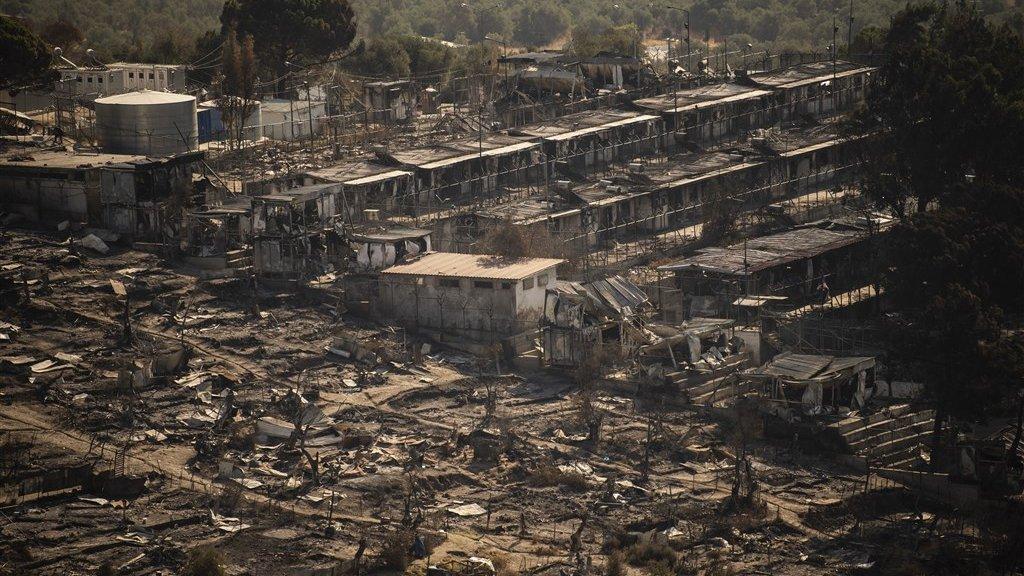 Kamp Moria na de verwoestende brand.
