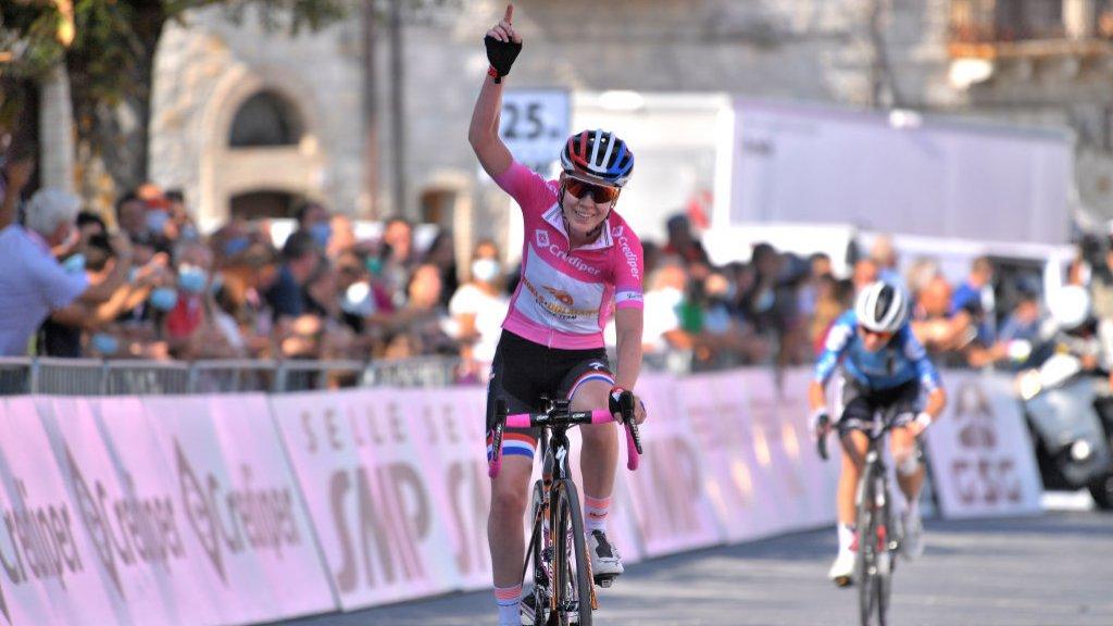 Eerder deze maand werd de Giro voor vrouwen gereden. Met een Nederlandse eindwinnaar: Anna van der Breggen