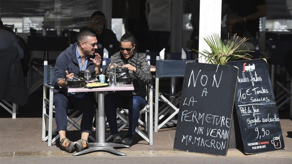Ondanks het verbod gaan meerdere restaurants vandaag toch open in Marseille.