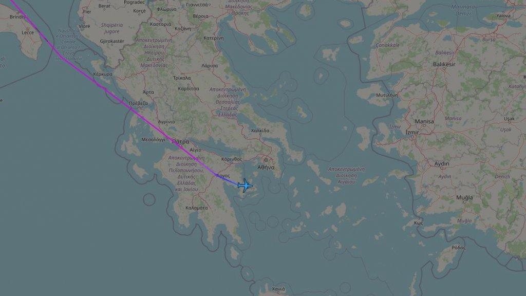 Het regeringstoestel op weg naar Athene
