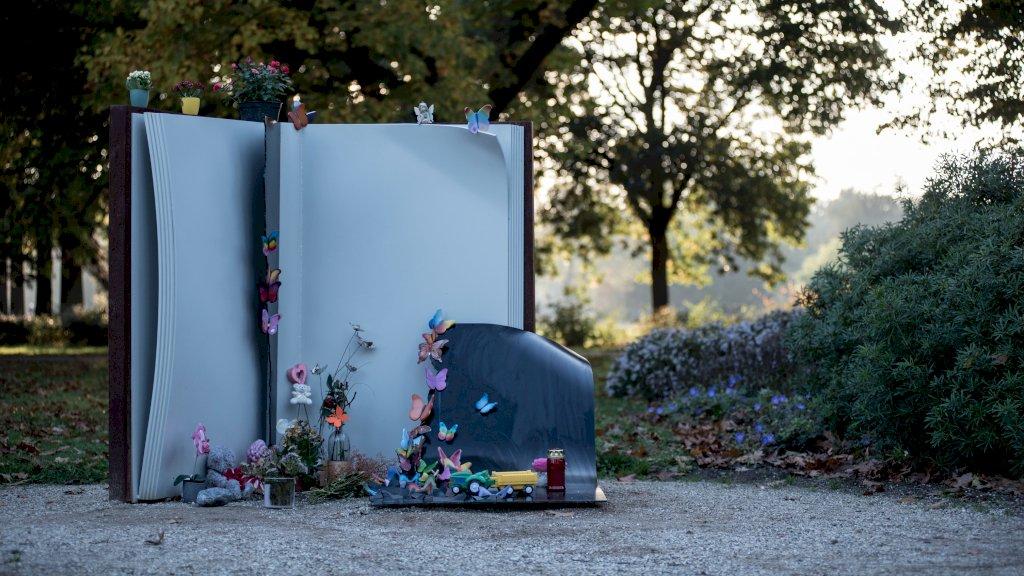 Het herdenkingsmonument Vlinderboek, ter nagedachtenis aan het Stint-ongeval