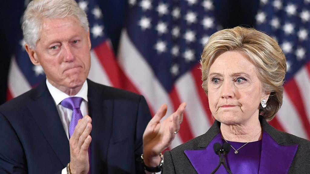 Hillary Clinton geëmotioneerd tijdens haar concession speech.