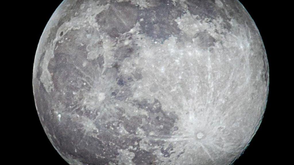 China wordt het derde land dat grondstoffen van de maan mee terug naar de aarde neemt.