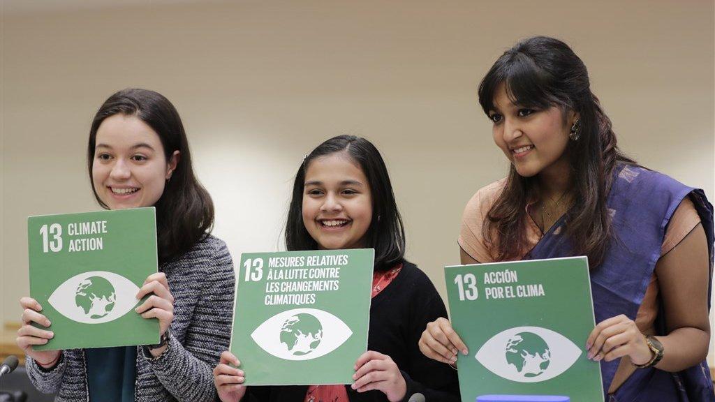 Gitanjali met andere jongeren bij een klimaatbijeenkomst