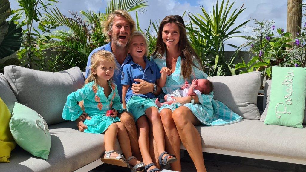 Wouter en Rinkje met hun drie kinderen, onder wie coronial Louise
