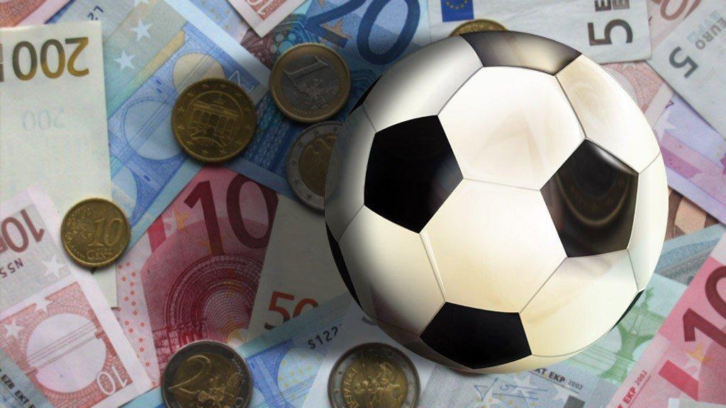 Schuld voetbalclubs verdubbelt door politiek' | RTL Nieuws
