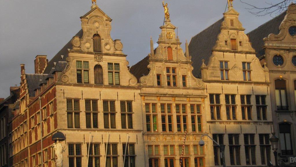 Onze alcohol kopen we liever in duitsland en belgië. maar waarom