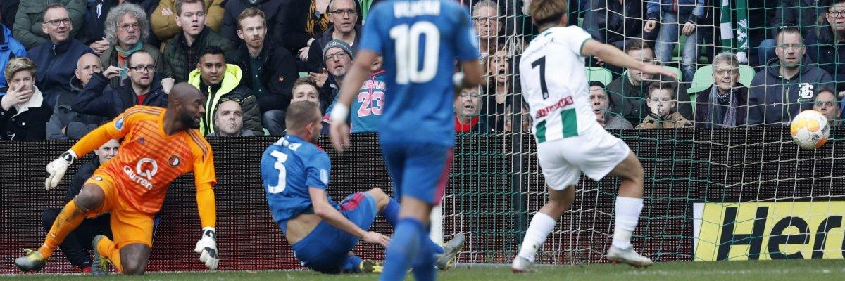 Feyenoord verliest van Groningen en ziet AZ dichtbij komen