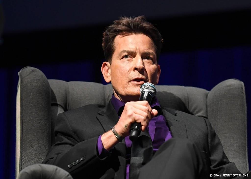Charlie Sheen nog altijd rouwig over ontslag Two and a Half Men - RTL Nieuws
