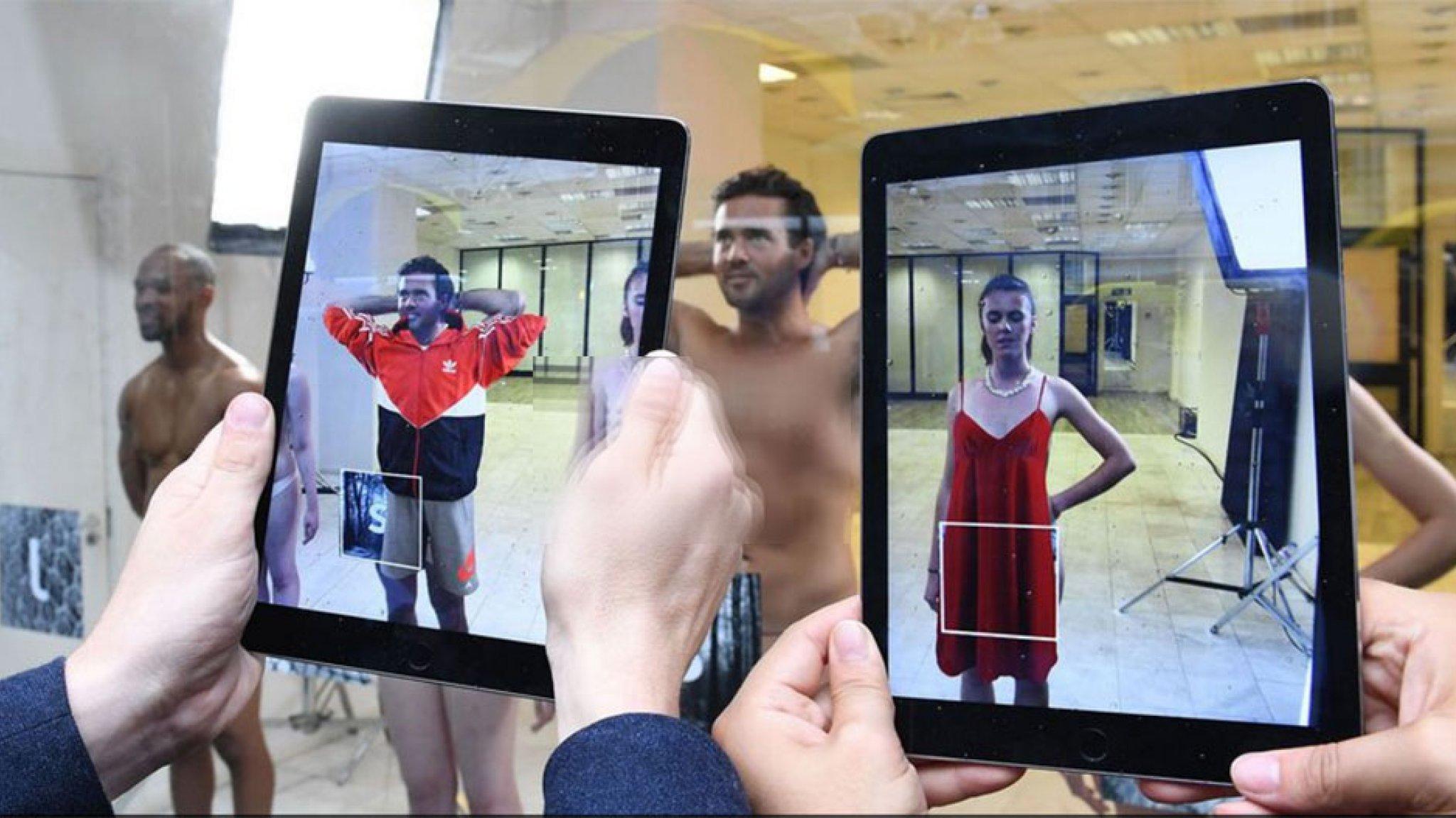 eb5b3eb3b31 Webwinkel kleedt modellen aan met augmented reality | Bright