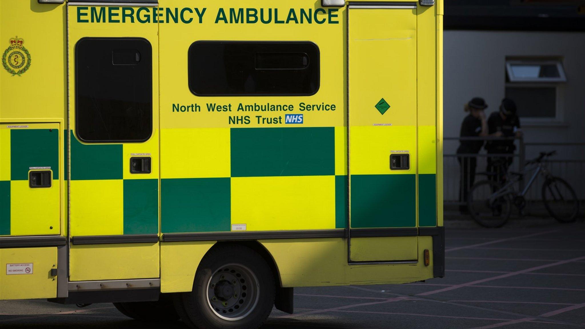 Britse baby overlijdt na val van brug, verdachte aangehouden