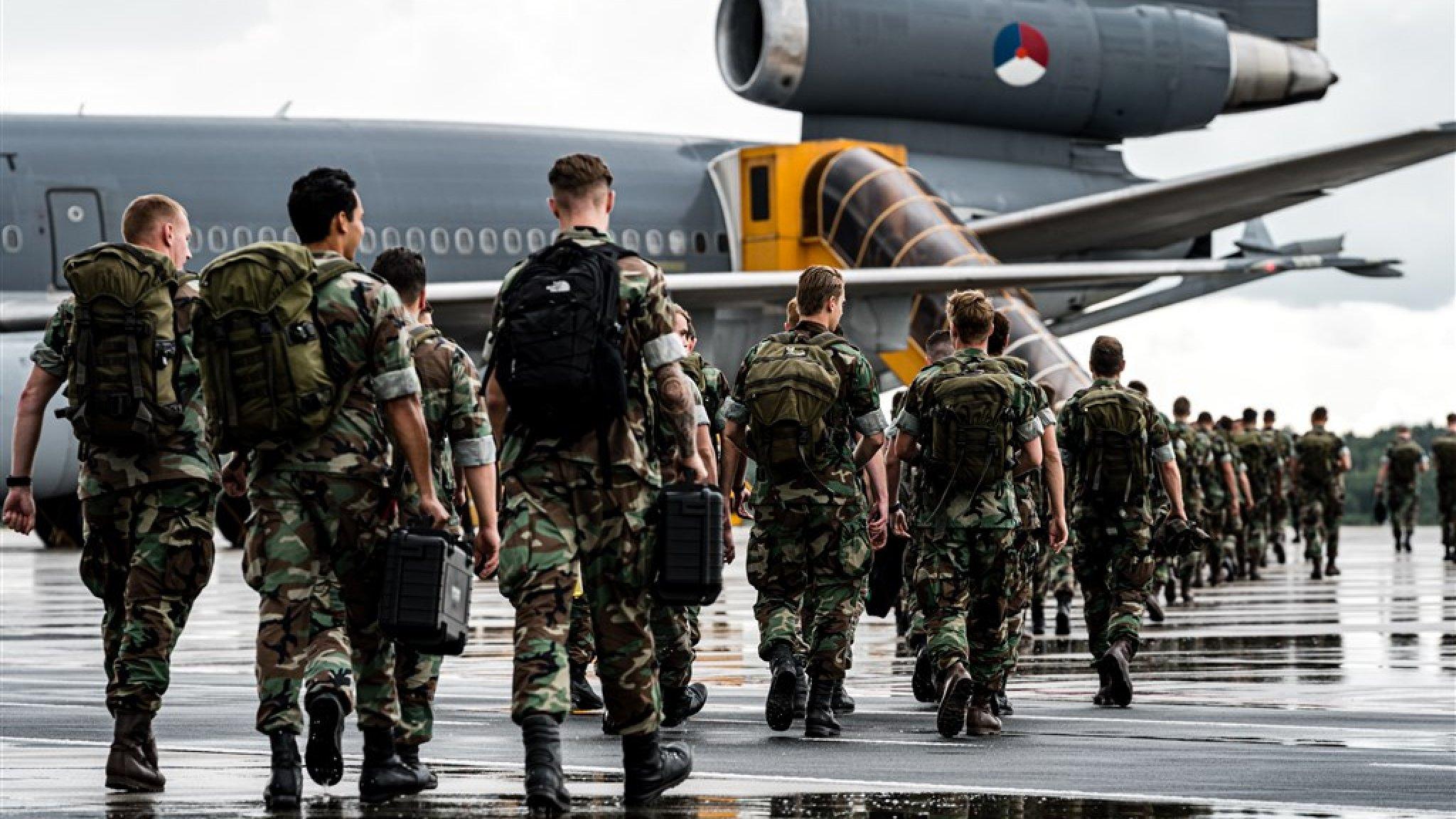 Eerste Nederlandse militairen aangekomen op Bahama's