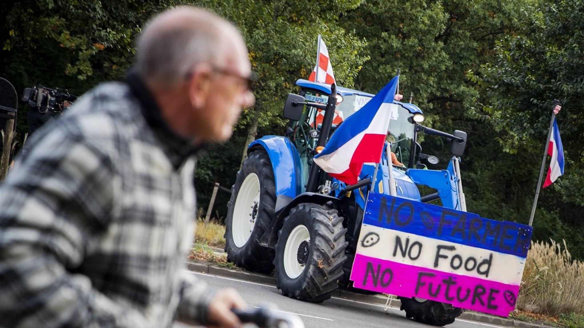 Alleen voedsel van Nederlandse boeren: 'Vlees wordt schaars en minder brood' thumbnail