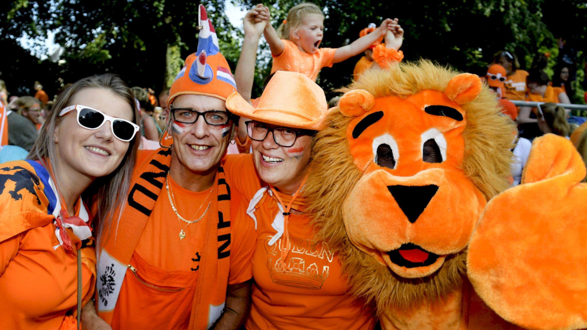 Oranje naar EK: 'Plaatsing betekent alles, dit levert honderden miljoenen op' - RTL Nieuws