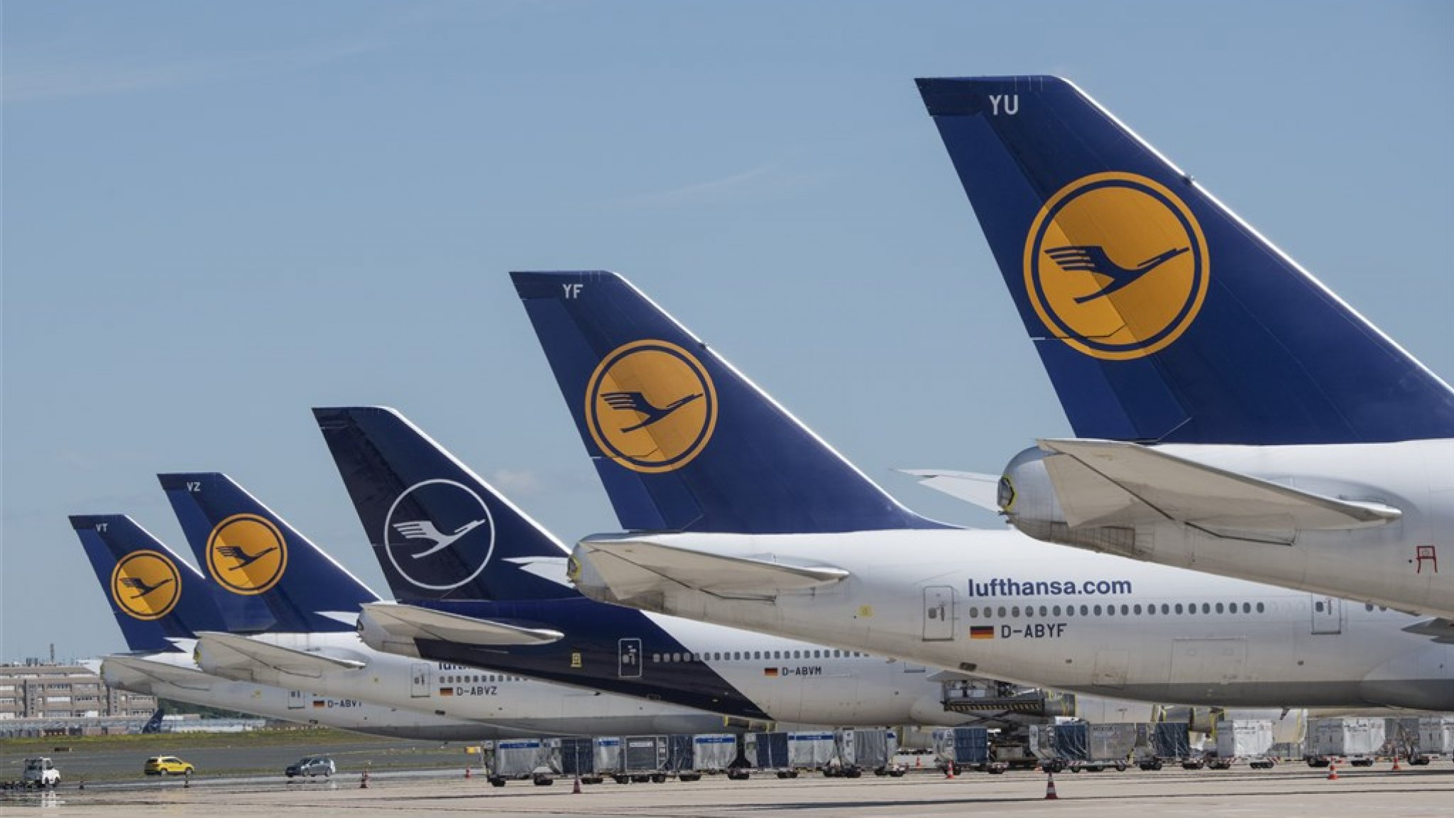 Voorwaarde commissie bij staatssteun Lufthansa? 'Inleveren slots'   RTL Nieuws