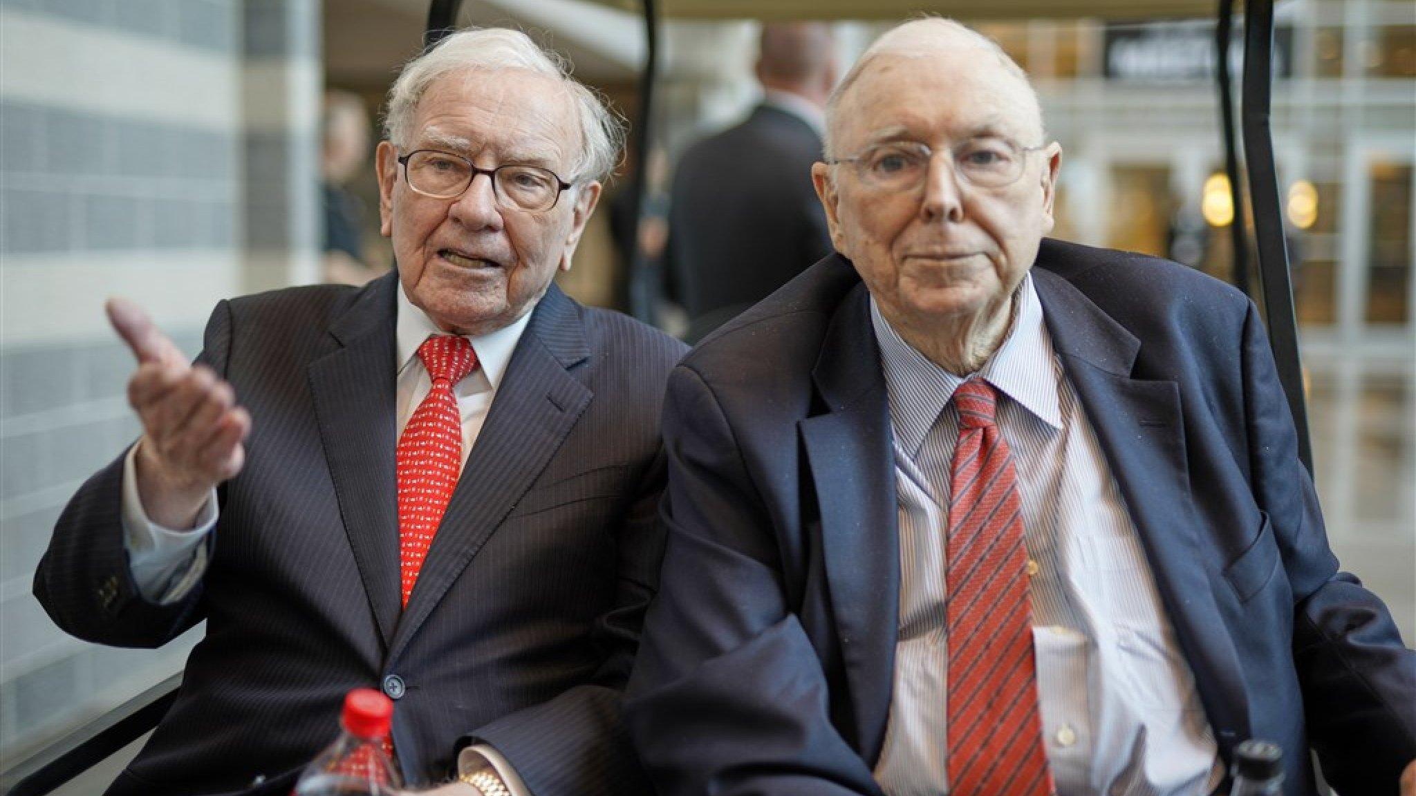 Superbelegger Warren Buffett 90 Verdient 40 Miljard Met Apple Rtl Nieuws