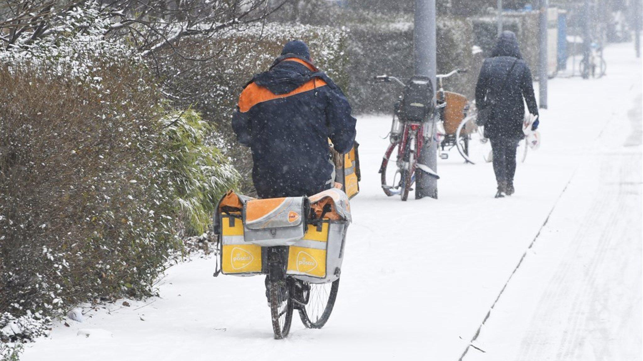 PostNL en DPD: bezorgen van pakketten onmogelijk in delen van het land - RTL Nieuws