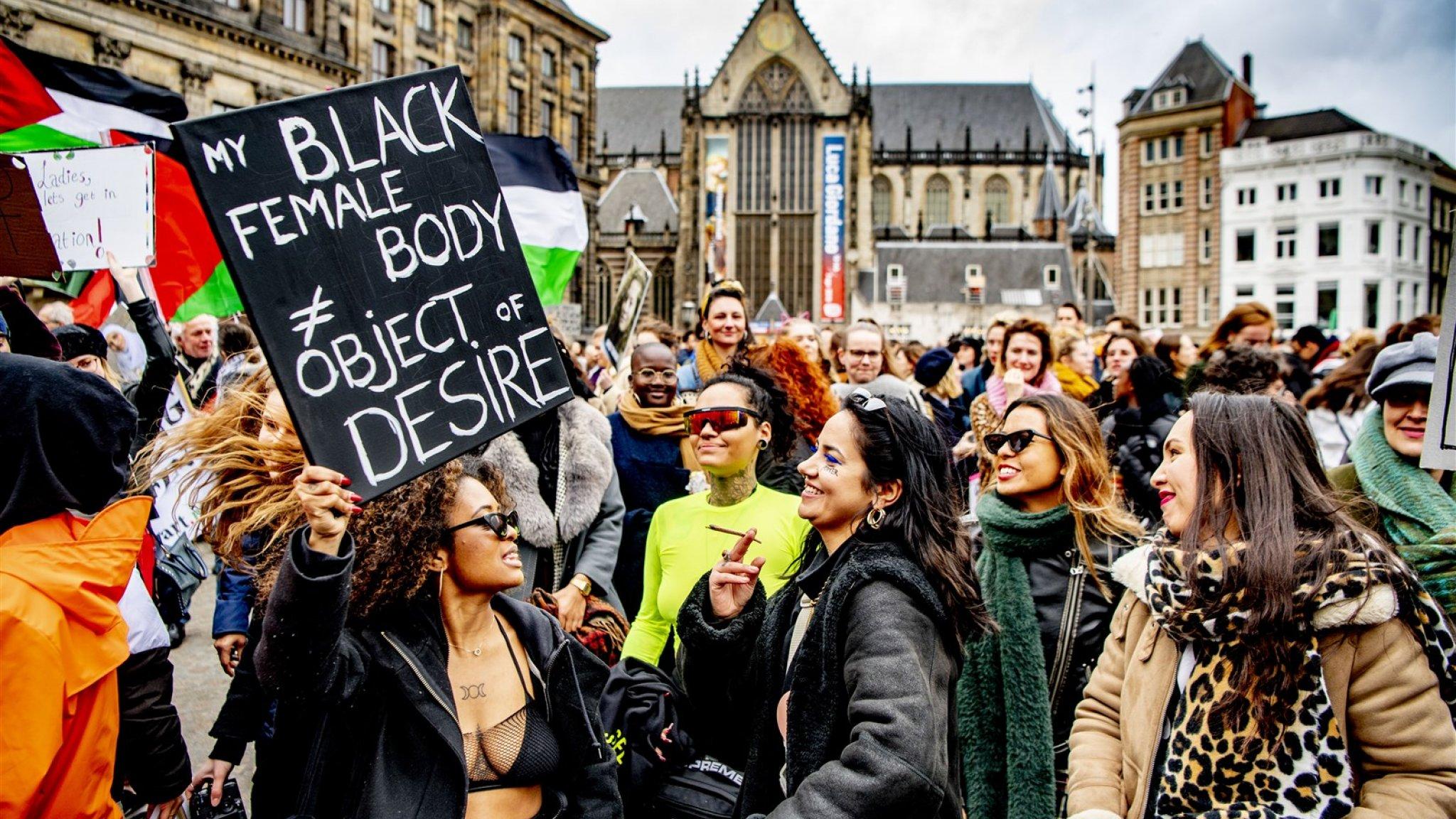 Ook Senaat wil verbod discriminatie om handicap of seksuele geaardheid in Grondwet - RTL Nieuws