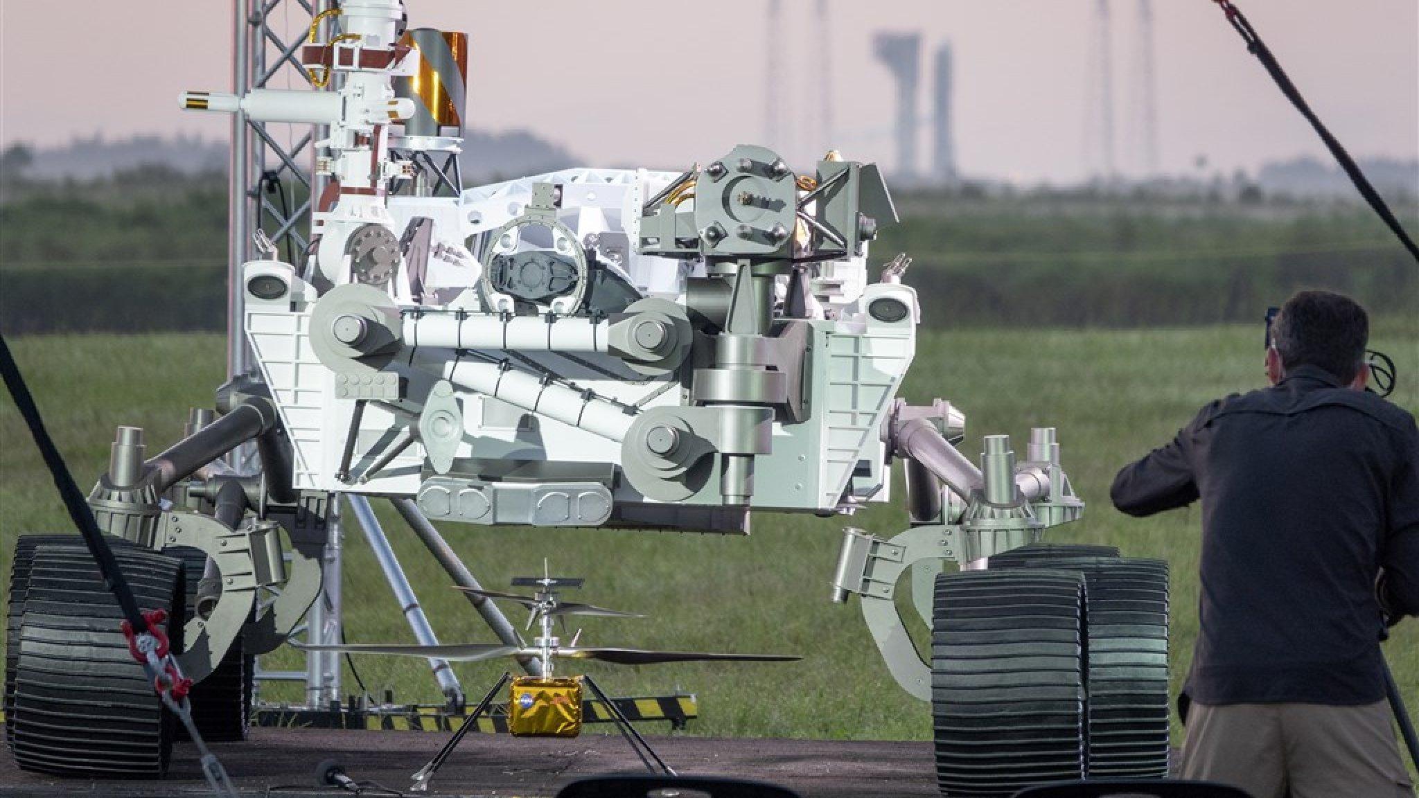 Zo landt de nieuwe peperdure rover van NASA komende week op Mars - RTL Nieuws