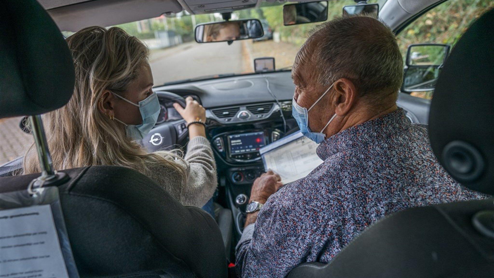 Hun leven staat stil door uitstel rijexamens: 'Geen auto, geen baan, geen uitzicht' - RTL Nieuws