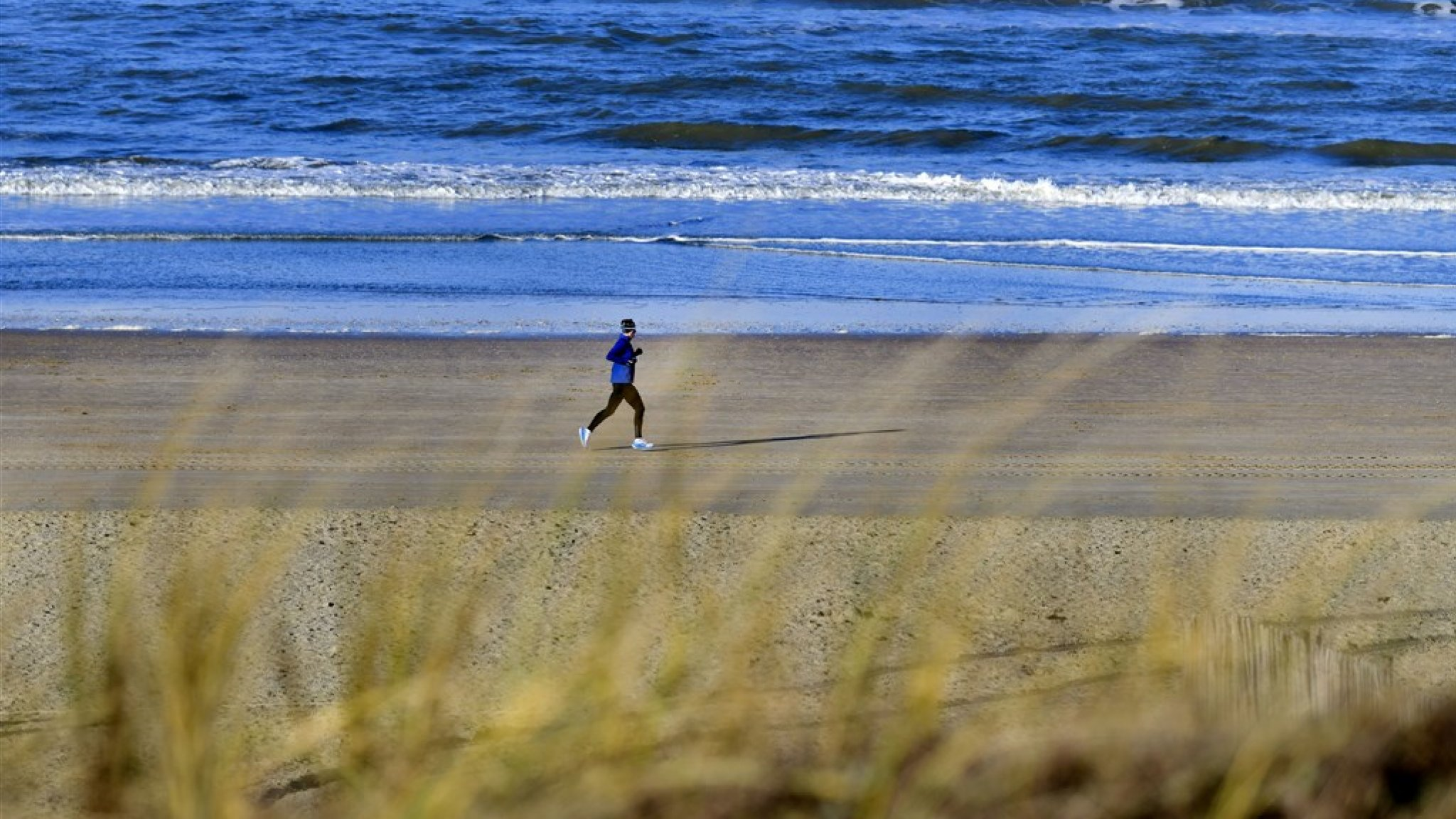 Noordzee wordt schoner: minder aangespoeld afval op strand - RTL Nieuws