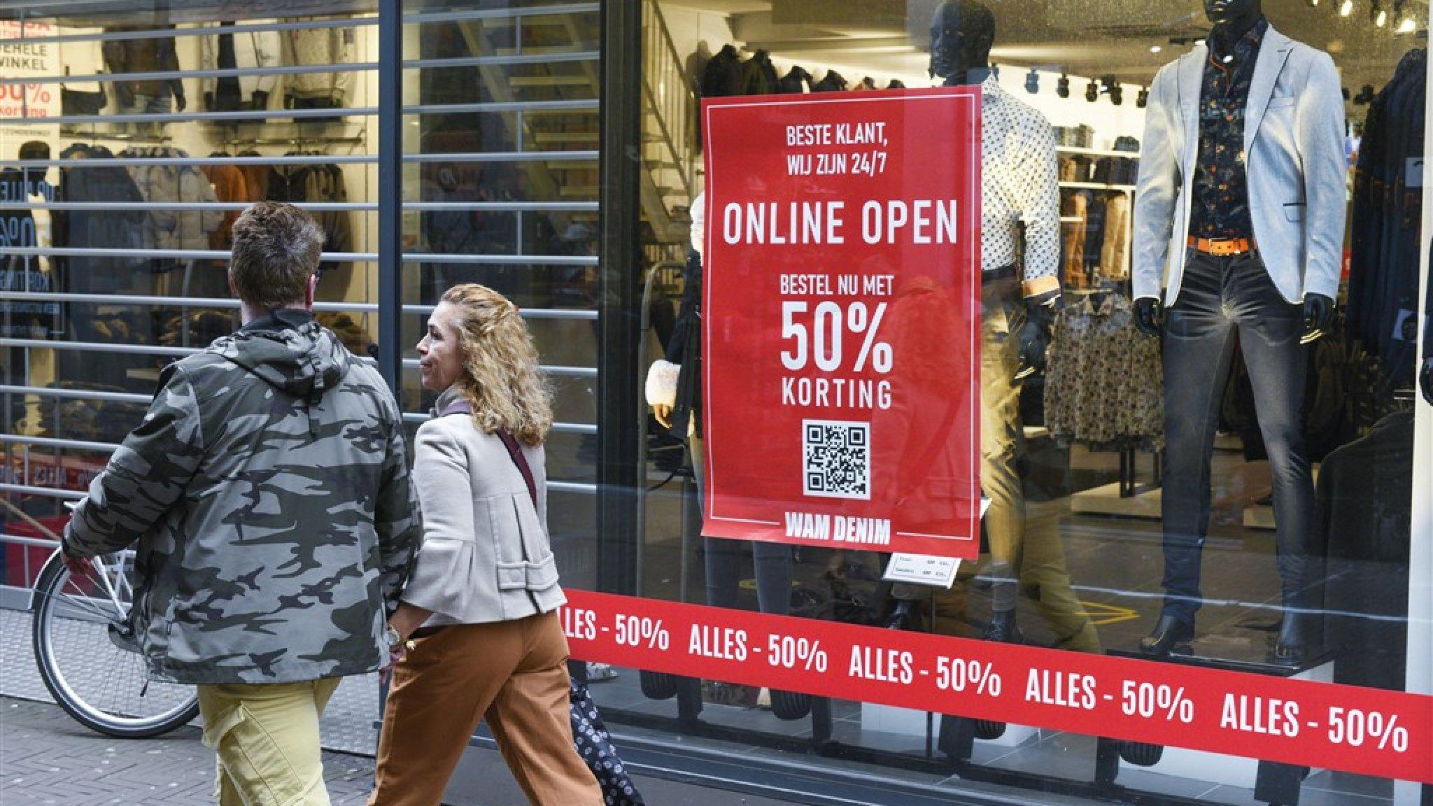 Winkeliers slepen staat voor de rechter en eisen heropening - RTL Nieuws