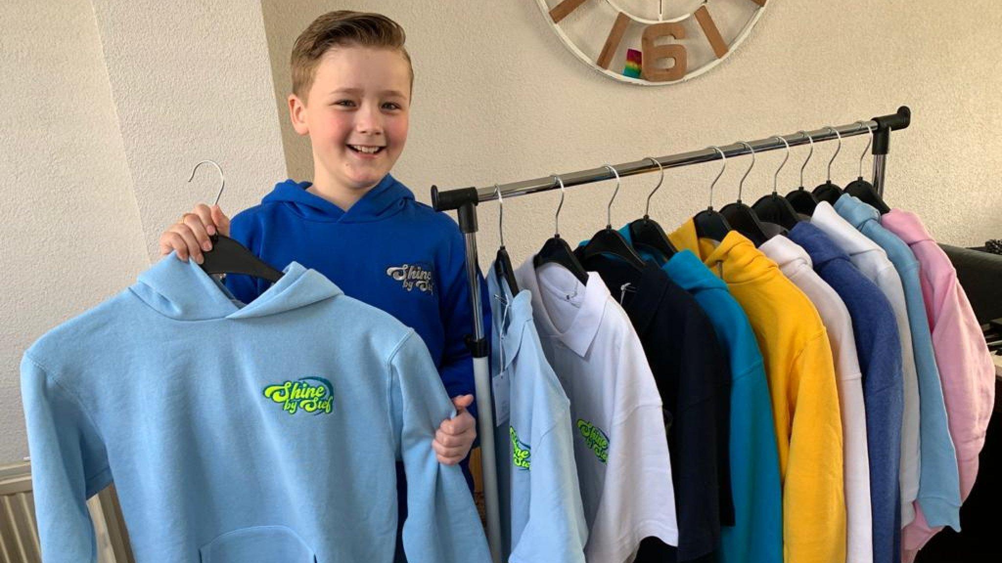 Gepeste Stef (9) heeft eigen kledinglijn: 'Je mag jezelf zijn' - EditieNL