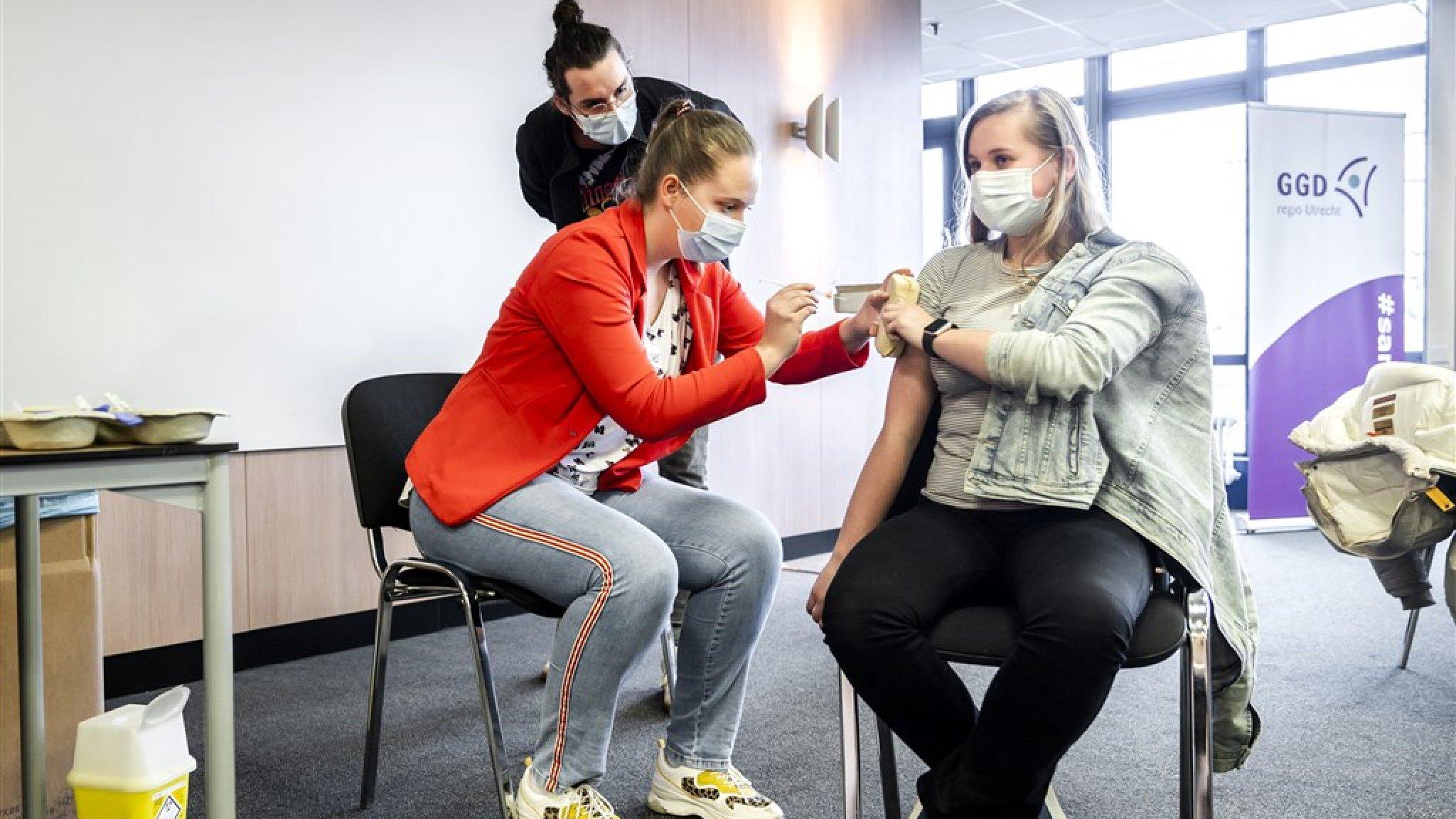 Het tempo gaat omhoog: de stand van zaken met vaccineren - RTL Nieuws
