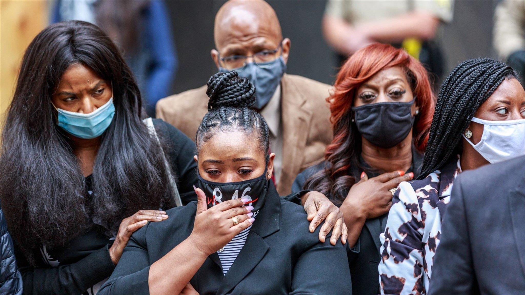 Familie bij arrestatie omgekomen George Floyd krijgt 27 miljoen - RTL Nieuws