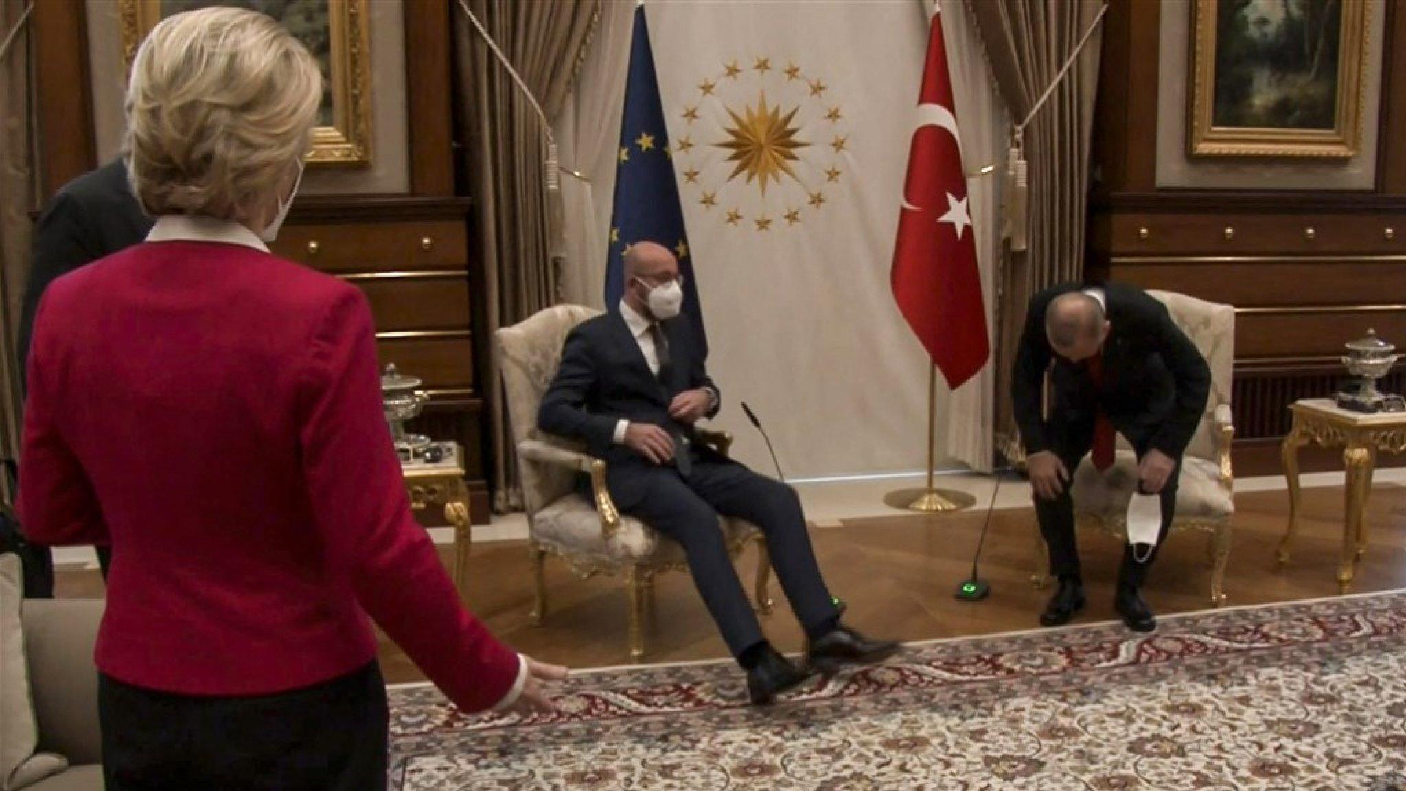 Ophef over behandeling EU-kopstuk Von der Leyen in Turkije