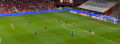 Ajax-aanwinst Răzvan Marin schiet een vrije trap raak vanaf grote afstand