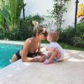 Zara-Lizzy giebelt er op los in zoete video van Monica Geuze