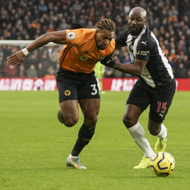 Willems in duel met Traoré.