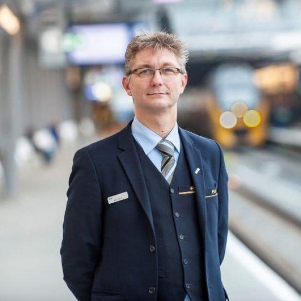 Edwin van der Vegte heeft elke week wel te maken met spoorlopers.