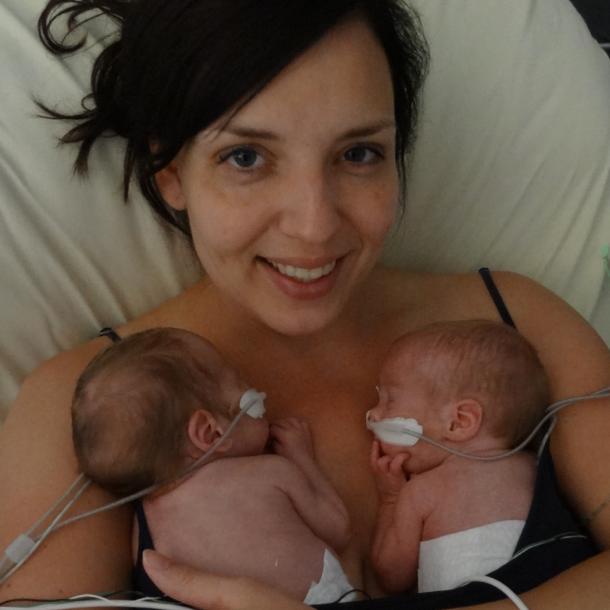 Na 10 weken mocht Ilona allebei haar jongens samen vasthouden.