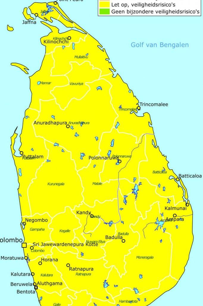 Bezoek geen openbare plekken waar veel mensen samenkomen en blijf alert, adviseert het Nederlandse ministerie van Buitenlandse Zaken aan landgenoten die in Sri Lanka zijn. Het ministerie waarschuwt voor veiligheidsrisico's.