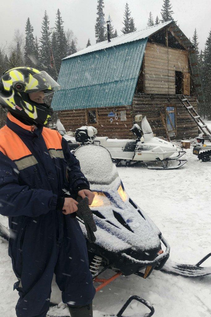 De sneeuwscooters waarmee Martijn en Denis op weg gingen.