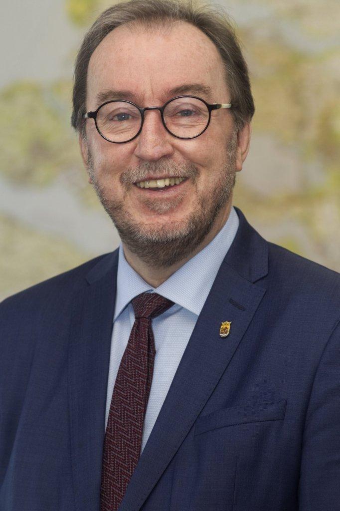 Jan Lonink, burgemeester van Terneuzen.