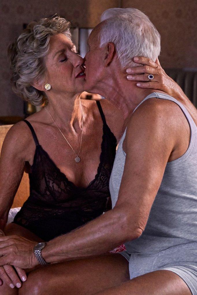 """""""Het is toch normaal dat ook oudere mensen zo met elkaar zijn"""""""