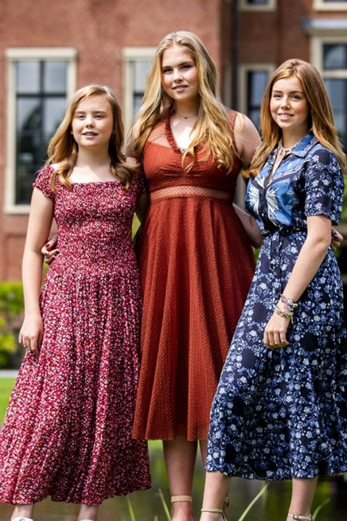 De prinsesjes voor paleis Huis ten Bosch.