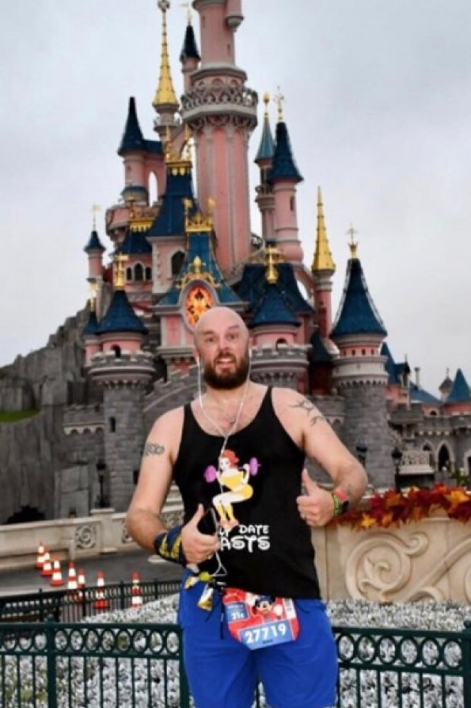 Edwin liep vorig jaar de halve marathon in Disneyland