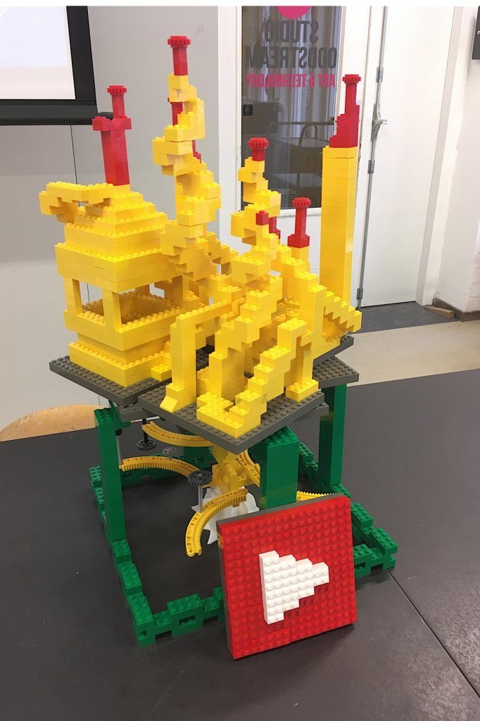 YouTube in Lego