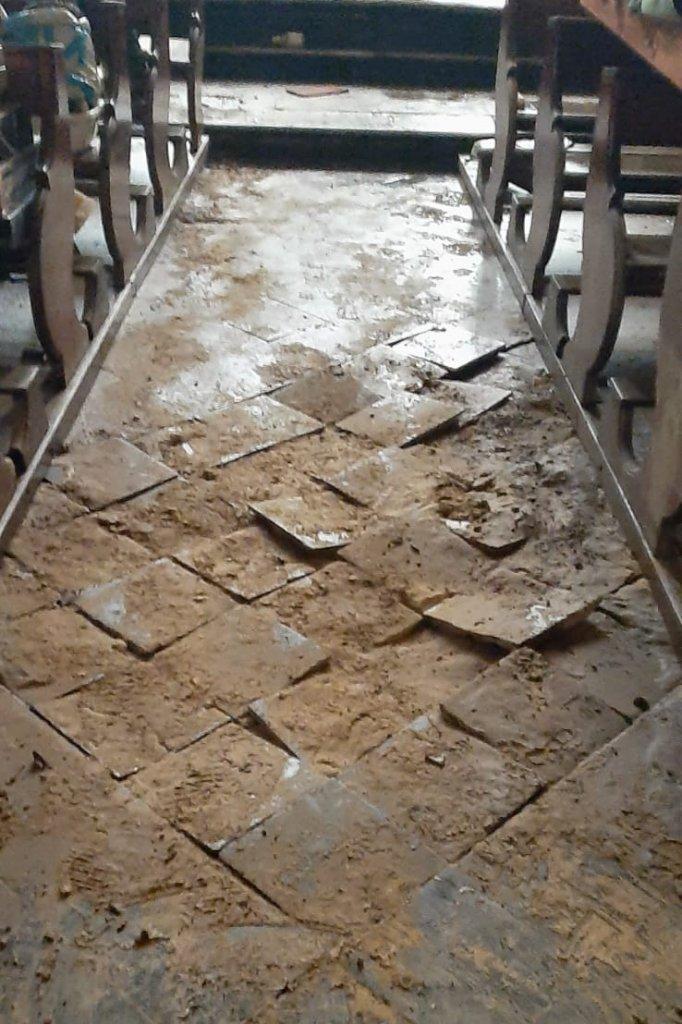De vloer van de Nicolaas- en Barbarakerk in Valkenburg