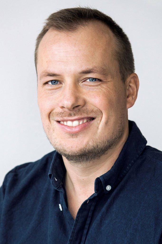 Onze expert: Bjarne Timonen is gezondheidszorgpsycholoog (GZ-psycholoog) en mediapsycholoog. Ook schreef hij het boek De Leefstijlgids Tegen Somberheid en werkt hij als coach en spreker.